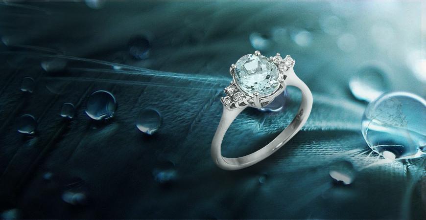 Proprietà dell'anello con acquamarina: un gioiello da sogno