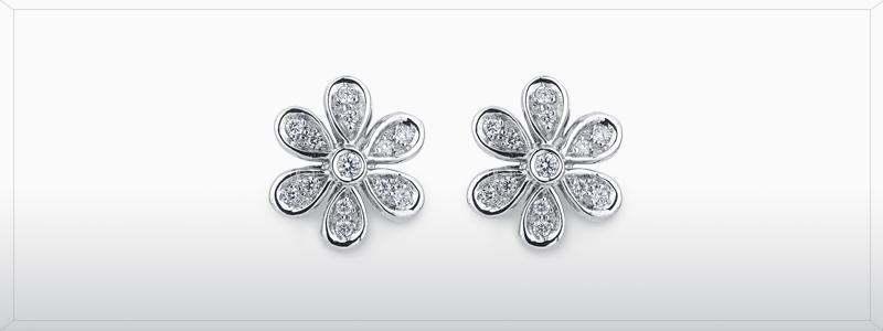 ORN916BB-orecchini-in-oro-bianco-18k-a-fiore-con-diamanti-gioielli-di-valenza
