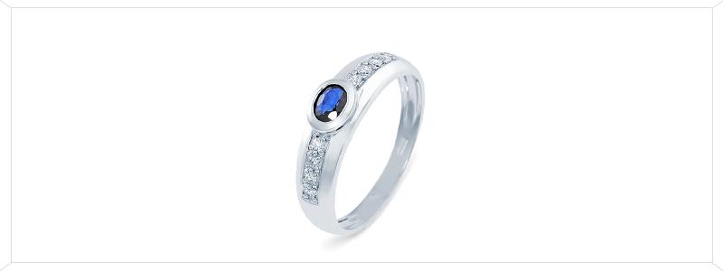 ANN70BBZ-Anello-in-Oro-Bianco-18k-con-Zaffiro-Blu-centrale-e-Diamanti-laterali-gioielli-di-valenza