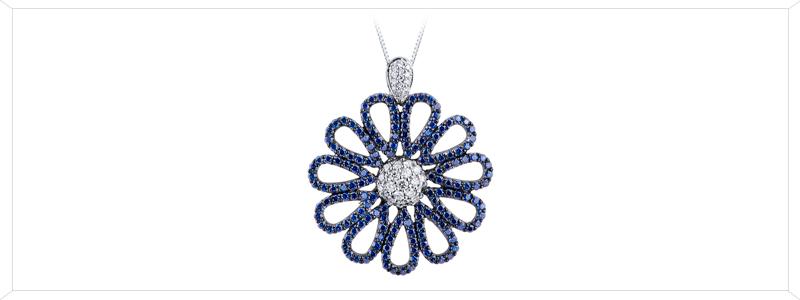 CIN1735BBZ-Collana-con-fiore-in-Oro-Bianco-18k-con-Diamanti-e-Zaffiri-blu-gioielli-di-valenza