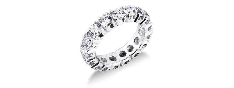 FEDI-125BB-anello-eternity-a-griffe-diamantate-in-oro-bianco-18k-con-diamanti-gioielli-di-valenza