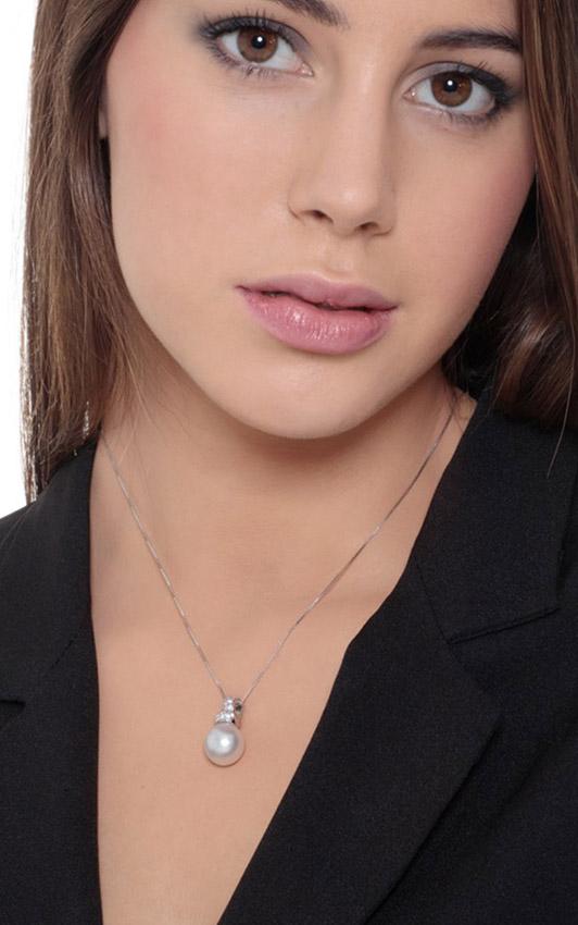 CI815BBPB-gioiellidivalenza-collana-oro-bianco-18k-diamanti-perla-naturale