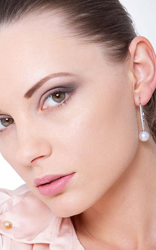 NORE4268BBPB-gioiellidivalenza-orecchini-pendente-oro-bianco-18k-perle-e-diamanti
