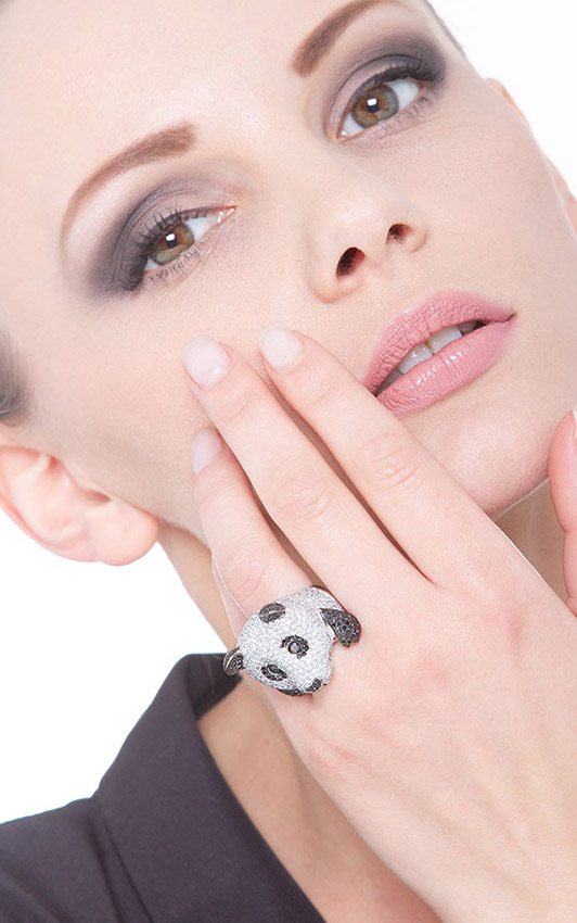 POAN2353BBN-gioiellidivalenza-anello-panda-oro-bianco-18k-diamanti-bianchi-neri
