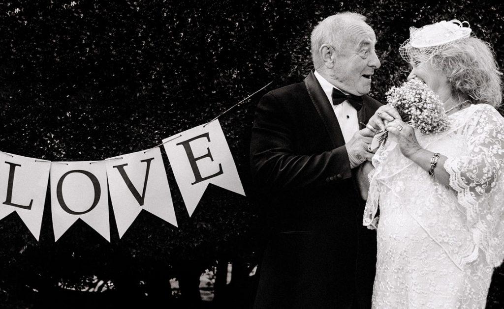 Cosa regalare per un anniversario di matrimonio?